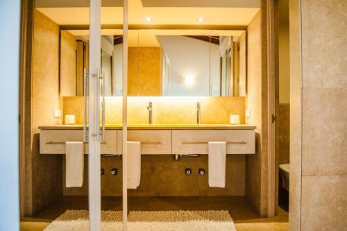 Standard Twin Room with Terrace Hotel Sa Franquesa Nova 13