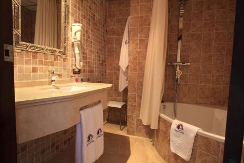 Habitación Doble con acceso gratuito al spa - 1 o 2 camas - Uso individual Casa Baños de la Villa 40