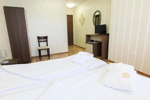 Hotel Nikol - Photo 8 of 43