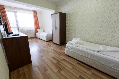 Hotel Nikol - Photo 3 of 43