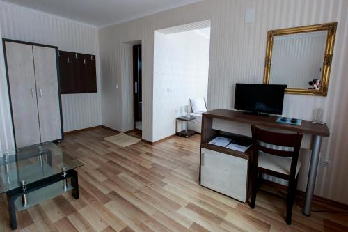 Hotel Nikol - Photo 2 of 43