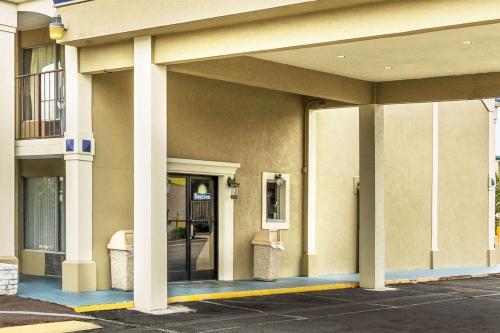 Days Inn by Wyndham Ashland photo 3