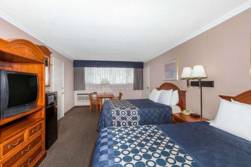 Days Inn by Wyndham Los Angeles LAX/VeniceBch/Marina DelRay - Inglewood, CA CA 90301