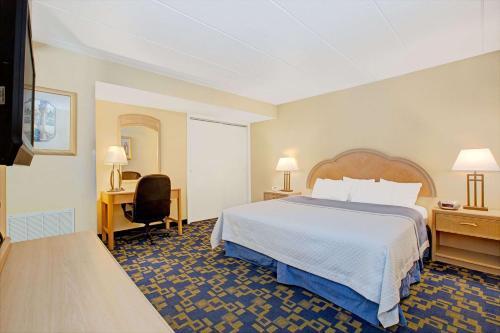 Days Inn By Wyndham East Windsor/Hightstown - East Windsor, NJ 08520