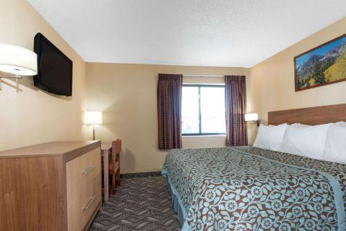 Days Inn By Wyndham Carbondale - Carbondale, CO 81623