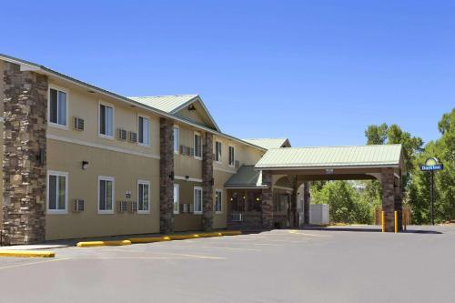 Days Inn & Suites by Wyndham Gunnison - Hotel