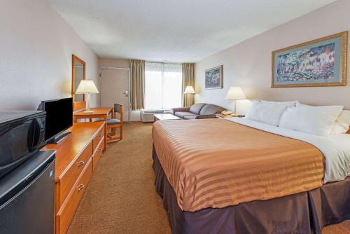 Days Inn By Wyndham Elizabethtown - Elizabethtown, KY 42701