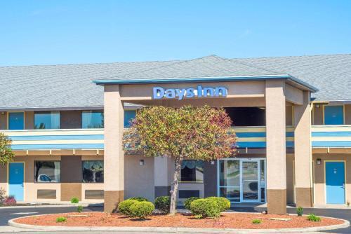 . Days Inn by Wyndham Dayton Huber Heights Northeast
