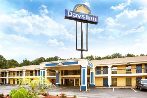 Days Inn By Wyndham Covington - Covington, GA 30014