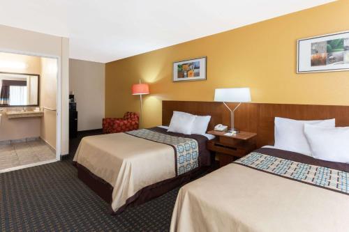 Days Inn by Wyndham Mission Valley Qualcomm Stadium/SDSU - San Diego, CA CA 92120