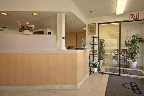 Days Inn By Wyndham Fresno South - Fresno, CA 93706