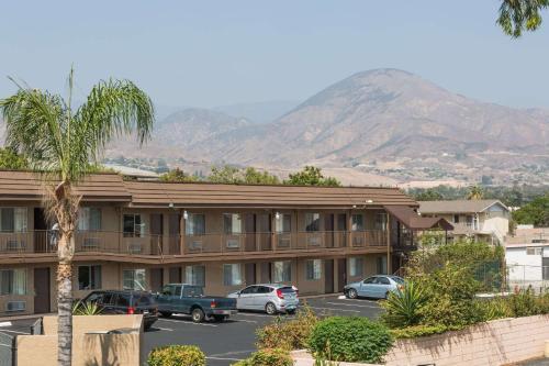 Days Inn By Wyndham San Bernardino Near San Manuel Casino