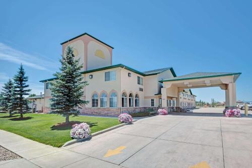 Days Inn by Wyndham Laramie - Hotel