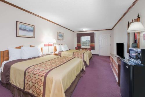 Days Inn By Wyndham Monett - Monett, MO 65708