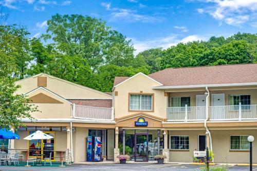 Days Inn By Wyndham Ridgefield - Ridgefield, CT 06877