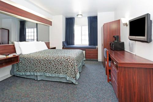 Days Inn By Wyndham Greeley - Greeley, CO 80634
