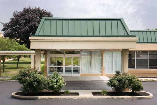 Days Inn & Suites by Wyndham York - Hotel