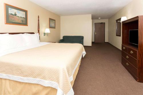 Days Inn By Wyndham Colorado Springs Airport