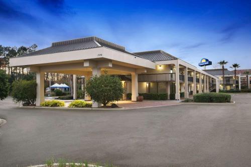 Days Inn by Wyndham Jacksonville Airport