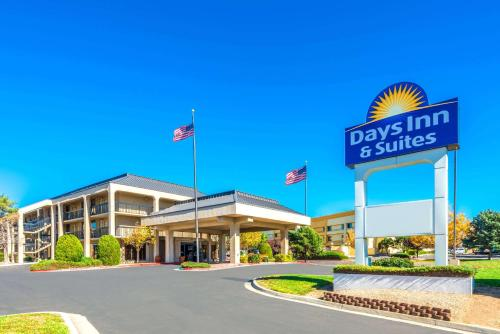 Days Inn Suites By Wyndham Albuquerque North