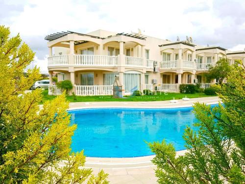 Bogazici G3 Bodrum Flamingo 2 Bedroom Garden Pool Holiday Apart price