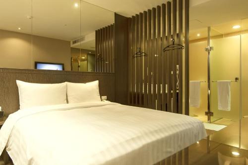 Look Hotel Taipei room photos