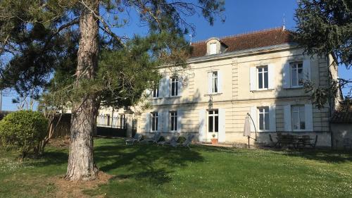 . Chateau Magondeau