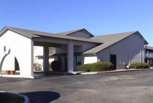 Studio 6 Oklahoma City Airport - Oklahoma City, OK 73128