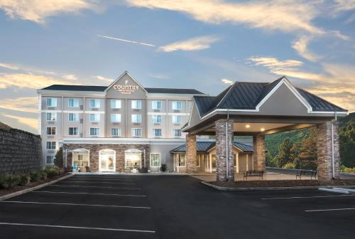 Country Inn & Suites by Radisson, Asheville Downtown Tunnel Road, NC