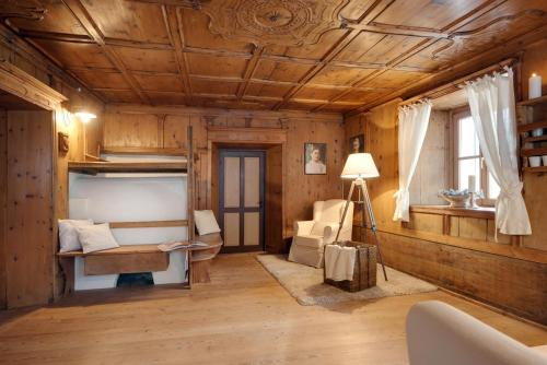 Chaletapartement Ambiente Villa Mozart - Apartment - Chienes