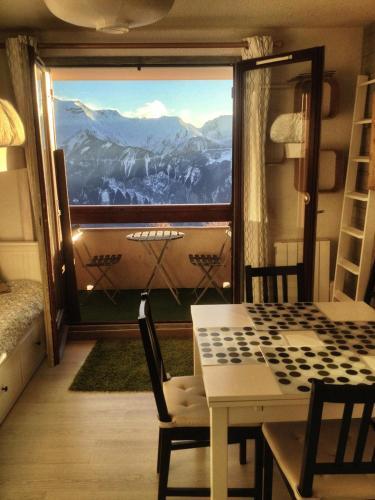 Superbe appart 4/5p balcon plein sud, vue exceptionnelle, retour ski aux pieds Alpe d'Huez