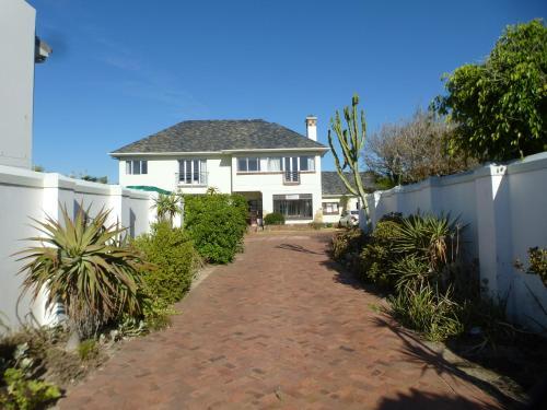 Cape Lagoon Villa