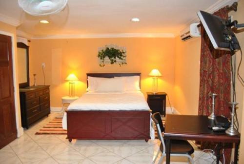 . El Dorado Inn
