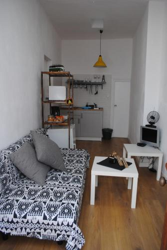 Casa Miraya Aðalmynd