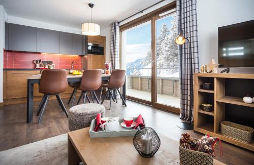 Three-Bedroom Apartment with Spa Access