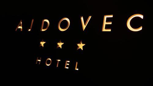 __{offers.Best_flights}__ Hotel Ajdovec