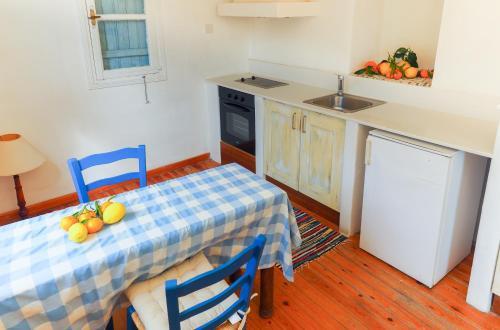 Mersinies Street, Tochni, 7740, Cyprus.