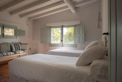 Casa de 2 dormitorios El Vergel de Chilla tiene 3 alojamientos Abejas 1 Abejas 2 y Libélula 34