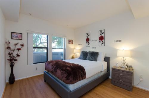 Elegant Luxury Living Suite