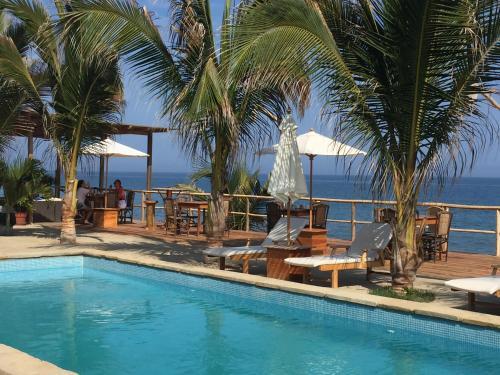 Baja Canoas Hotel