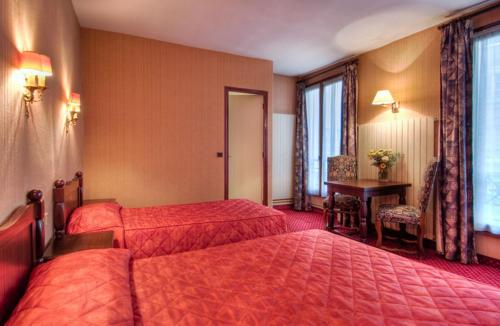 Hotel De Senlis Трехместный номер