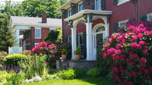 . Grape Arbor Bed and Breakfast