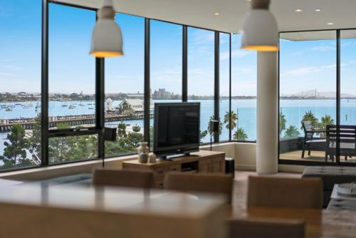 Photos Of - Edgewater Penthouse
