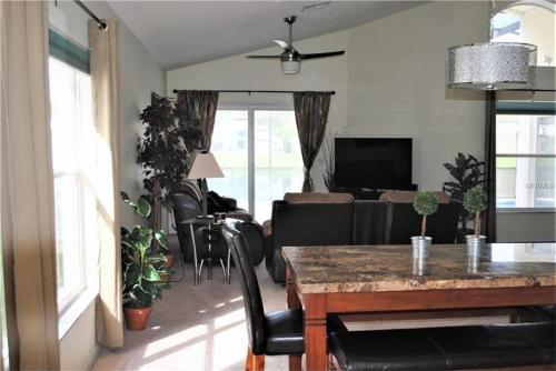 Elite Homes - Lake Berkley - image 4