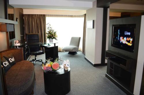 Golden Tulip Mandison Suites photo 7