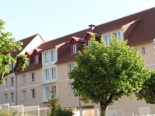 . Well-kept studio, located in the town of Roche-Posay