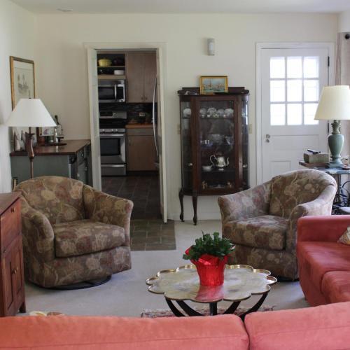 Hobble Inn - Accommodation - Stowe
