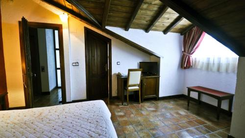 Attic Twin Room Coto del Valle de Cazorla 12
