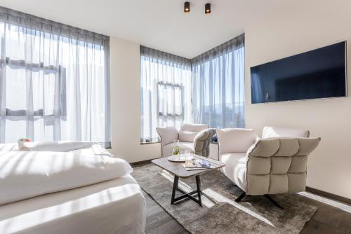 One-Bedroom Suite with Sauna