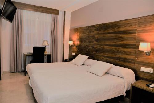 __{offers.Best_flights}__ Hotel Escudero